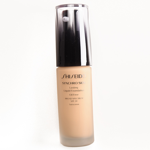 Base Synchro Skin Lasting Liquid Foundation, de Shiseido