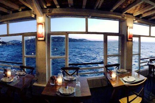 Kastro's Bar Restaurant