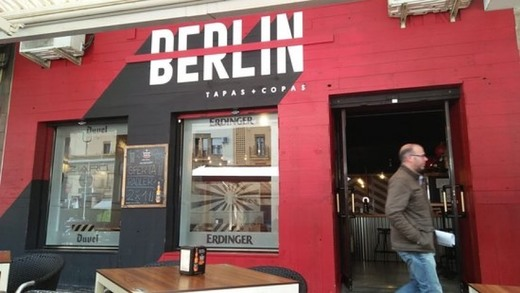 "Cafetería ""Cafe Berlín"""